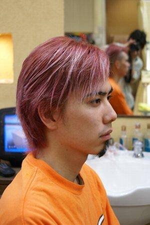 ピンク系のヘアカラー